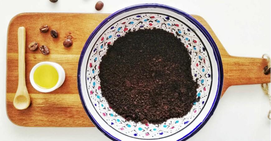 Scrub pelle con fondi del caffè
