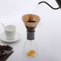Versare piano facendo scendere piano il caffè