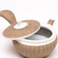 Piccola teiera con due tazze