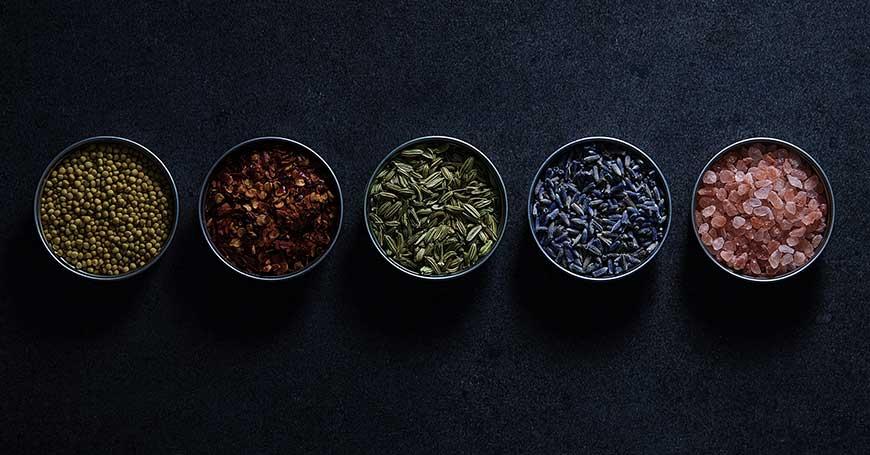 barattoli per conservare spezie