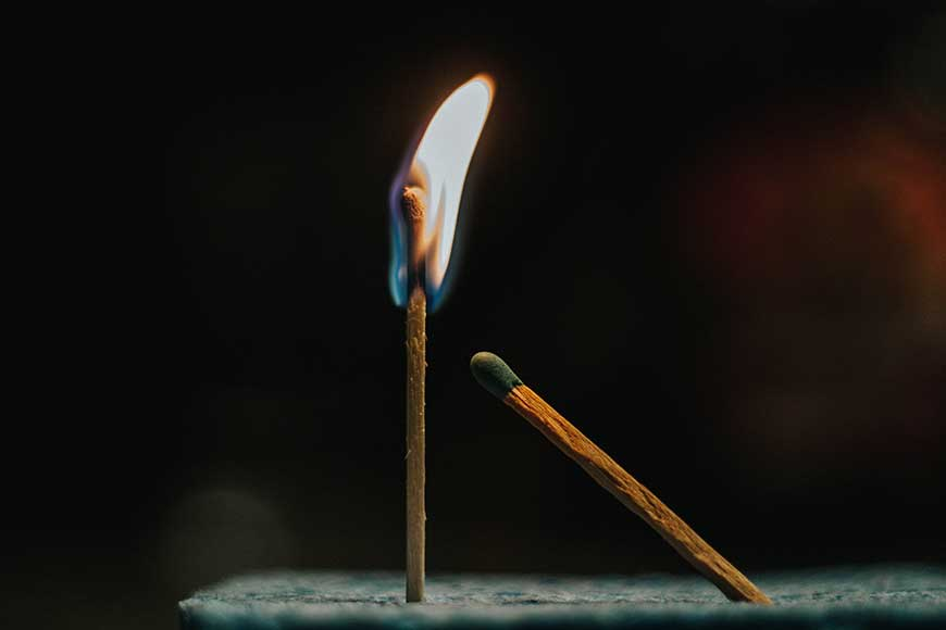 due fiammiferi come metafora di un'infiammazione
