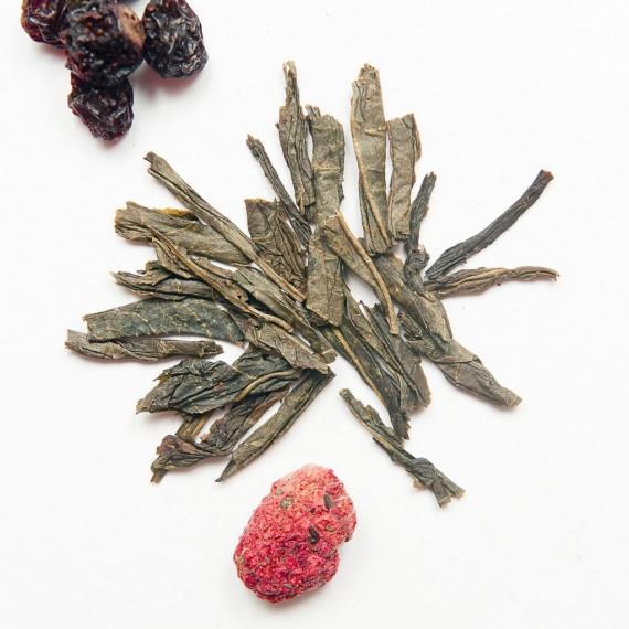 foglie di thè sencha e frutti di bosco