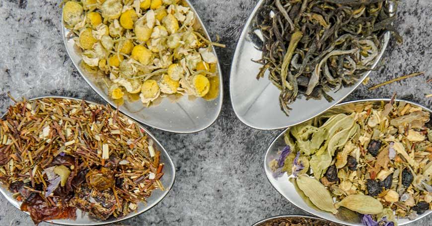 diverse varietà di tè